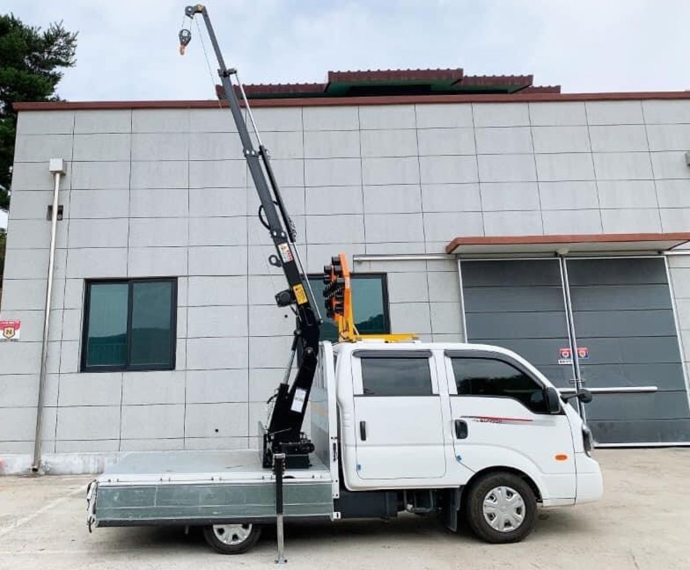 Xe tai gắn cẩu Hyundai PORTER HD150 /cẩu 1 tấn