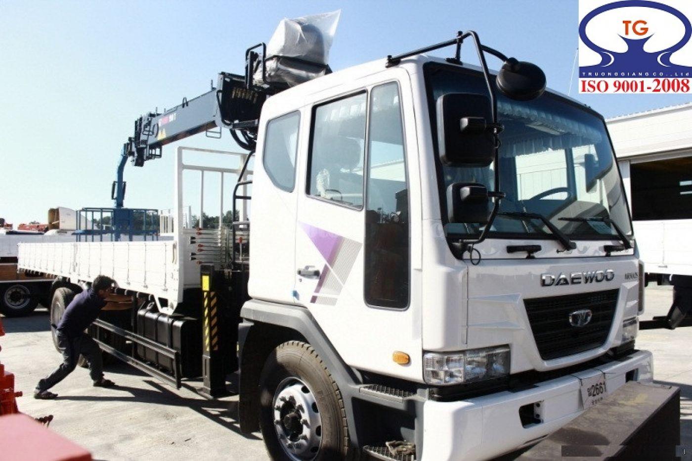 xe-cẩu-tự-hành-daewoo-k7cef