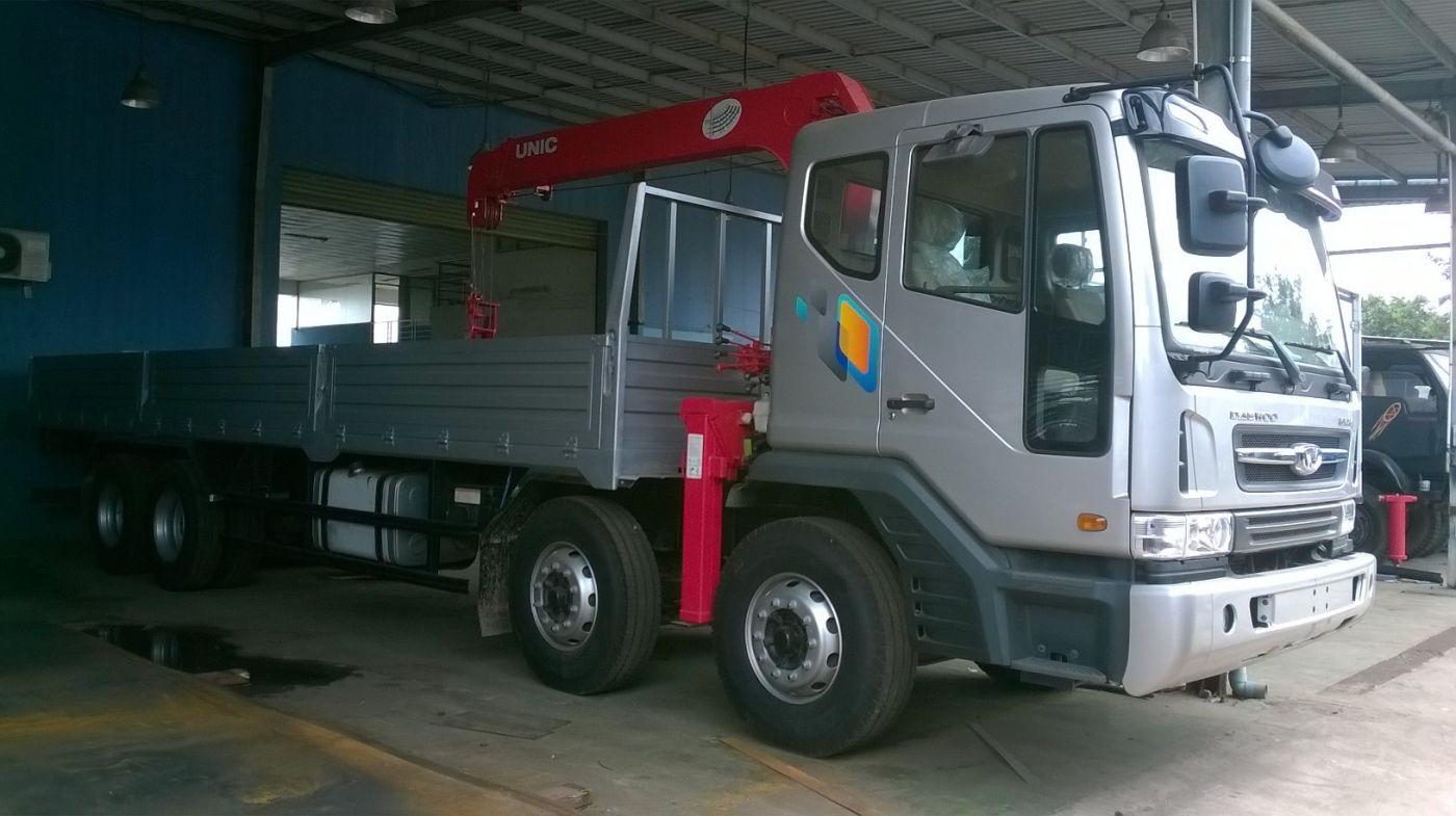 Xe cẩu tự hành Daewoo M9CEF tải trọng 16 tấn