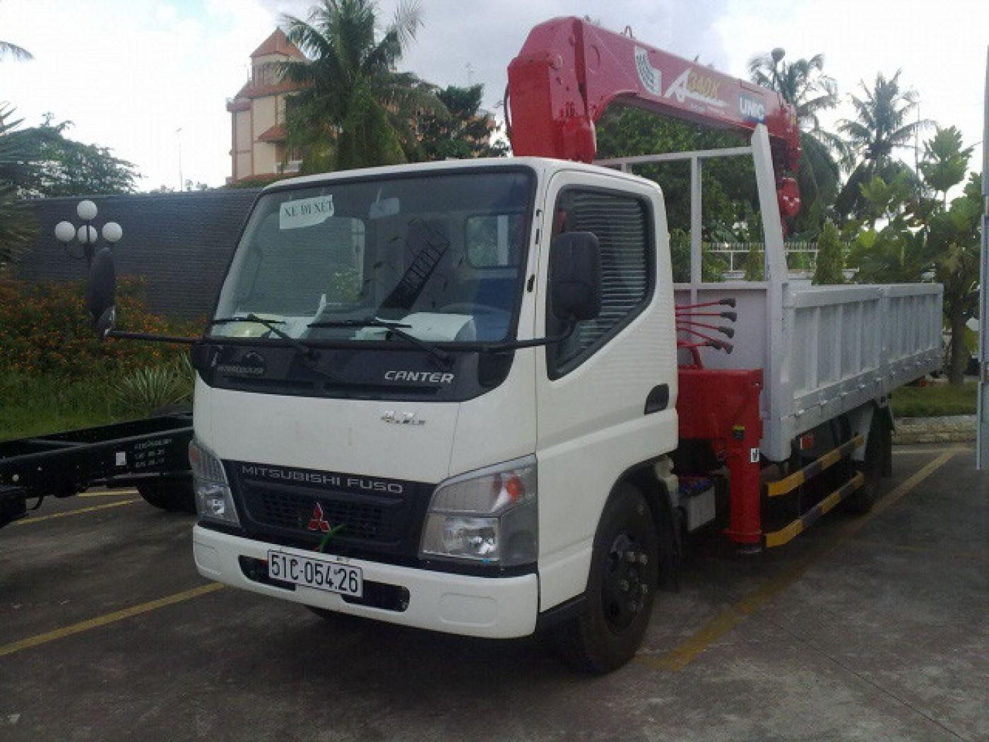 xe-tải-cẩu-fuso