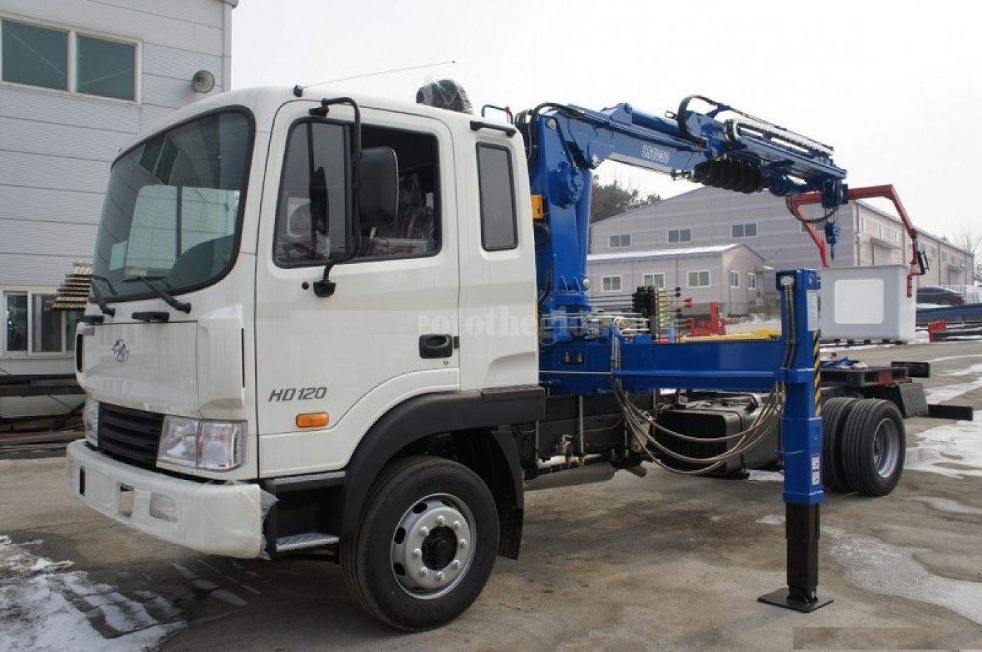 Xe cẩu tự hành Hyundai HD120 tải trọng 5 tấn