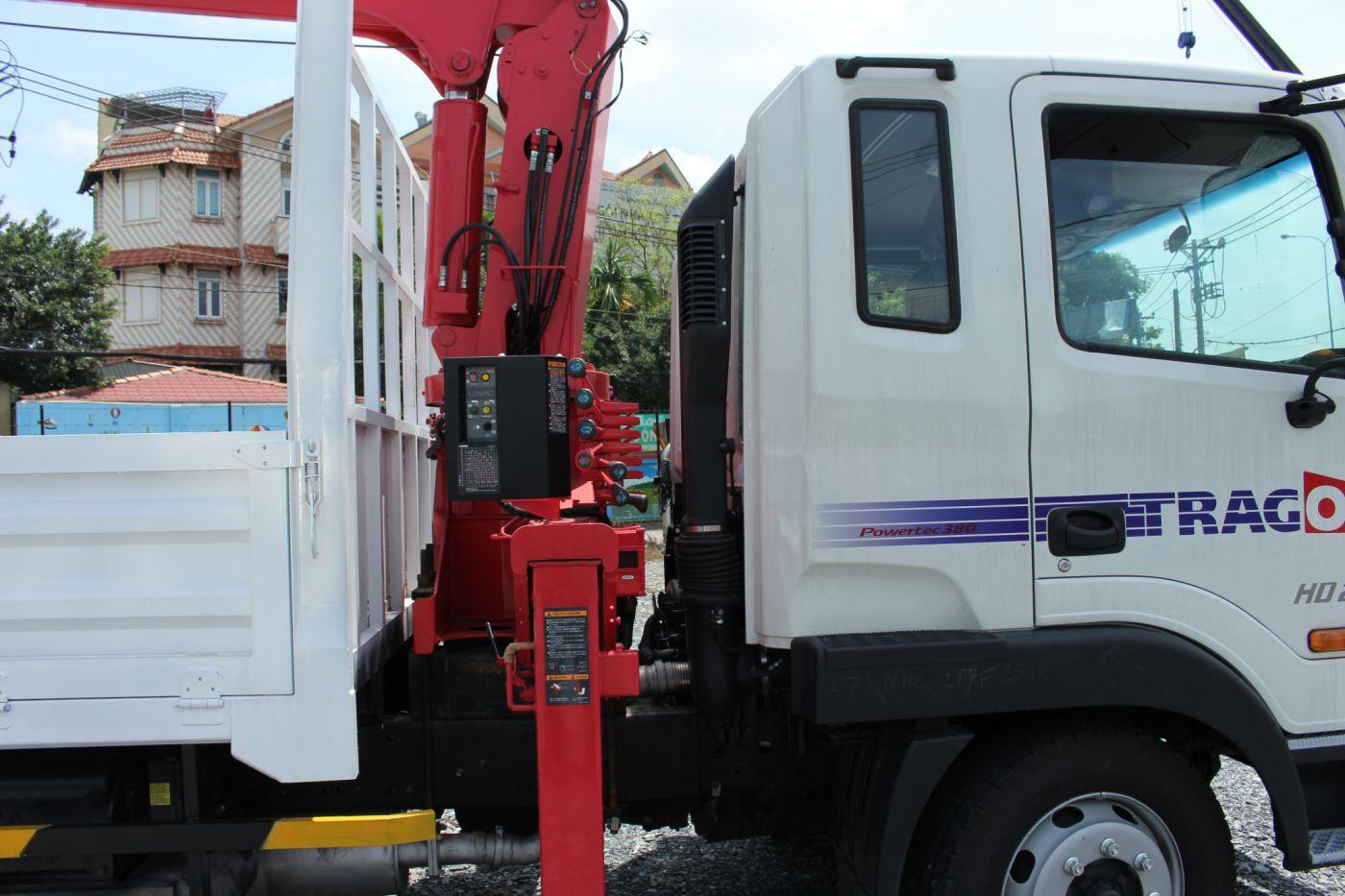xe-cau-tu-hanh-hyundai-hd210