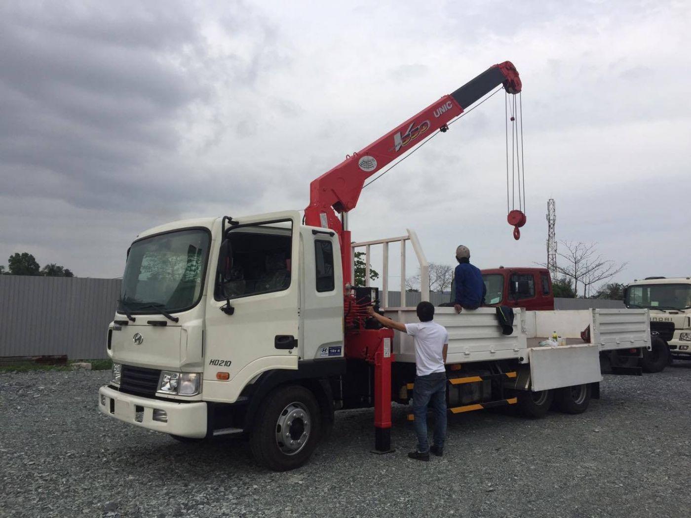 Xe cẩu tự hành Hyundai HD210 tải trọng 12 tấn