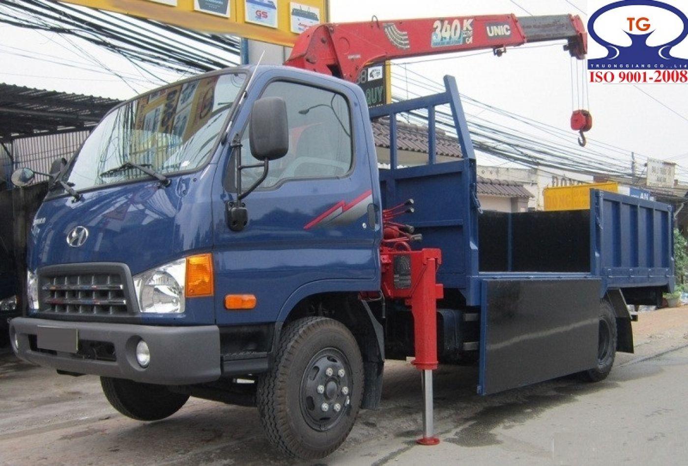 Xe cẩu tự hành Hyundai HD700 tải trọng 5.7 tấn