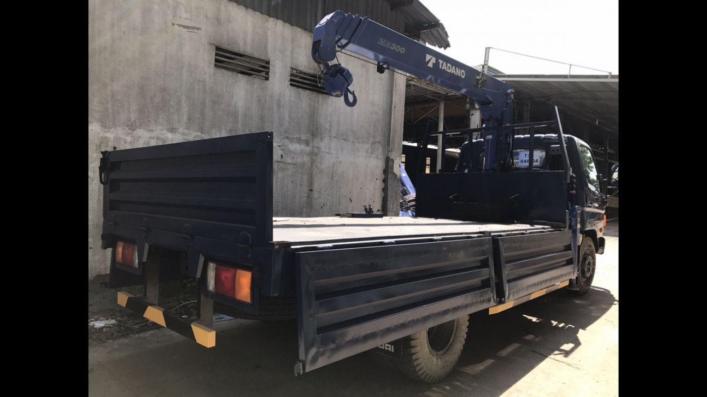 Xe cẩu tự hành Hyundai HD800 tải trọng 6.8 tấn
