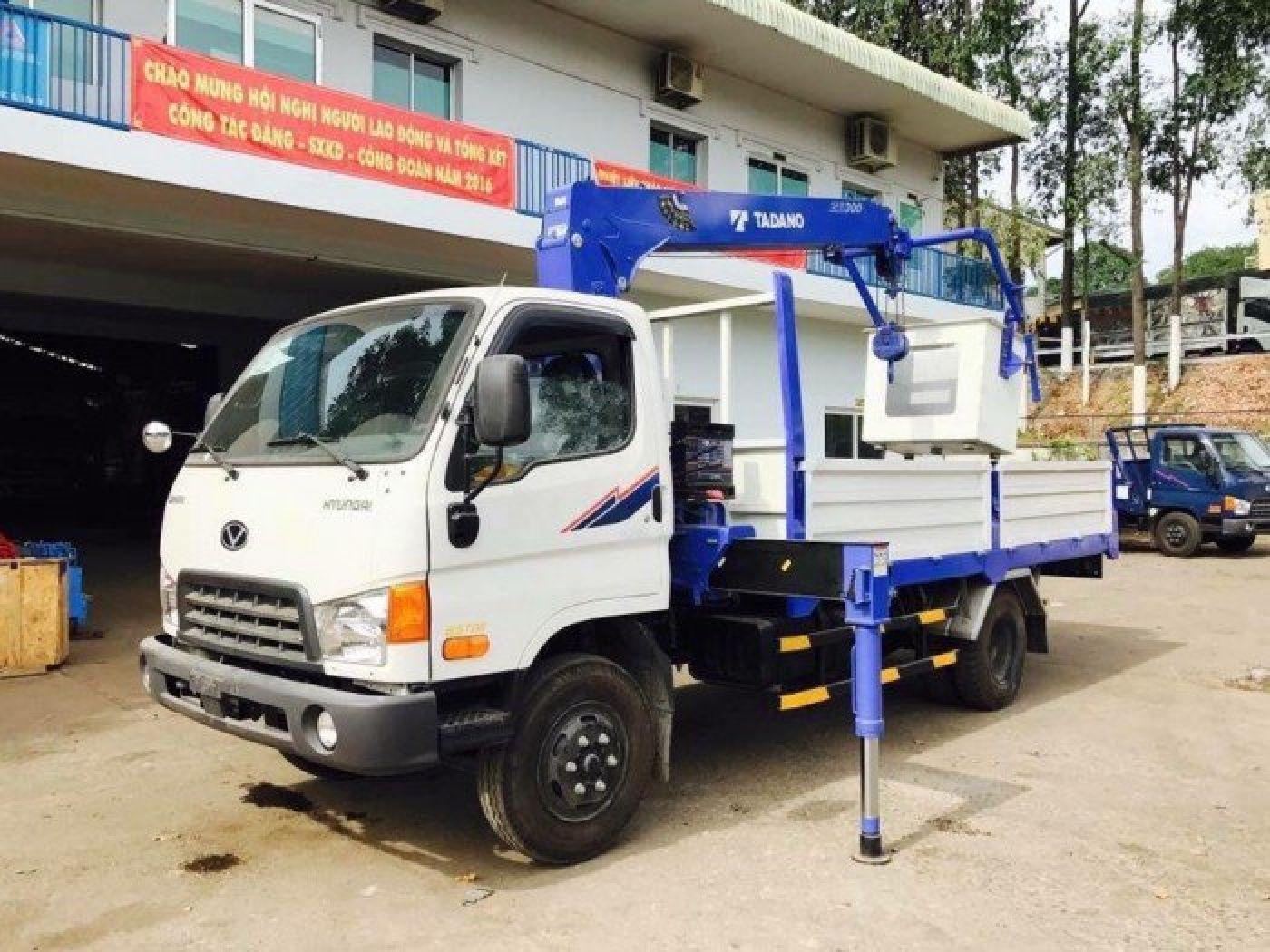 Xe tải cẩu Hyundai Mighty N250SL Chạy trong TP