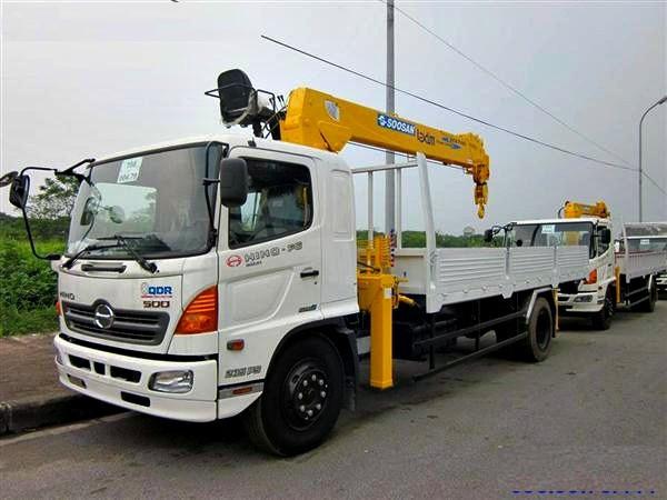 Xe tải Hino FG8 JPSU tải trọng 5.9 tấn gắn cẩu