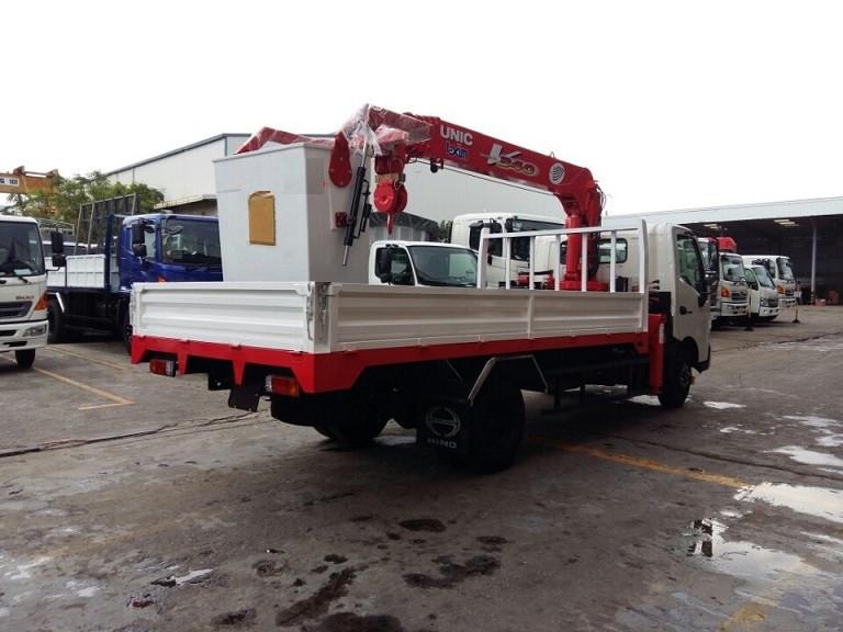 Xe tải Hino WU352L tải trọng 3.5 tấn gắn cẩu