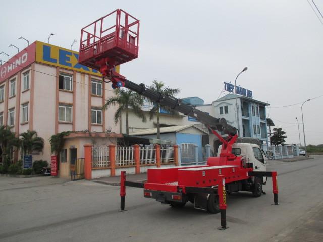 Xe tải Hino XZU650L tải trọng 1.1 tấn gắn cẩu
