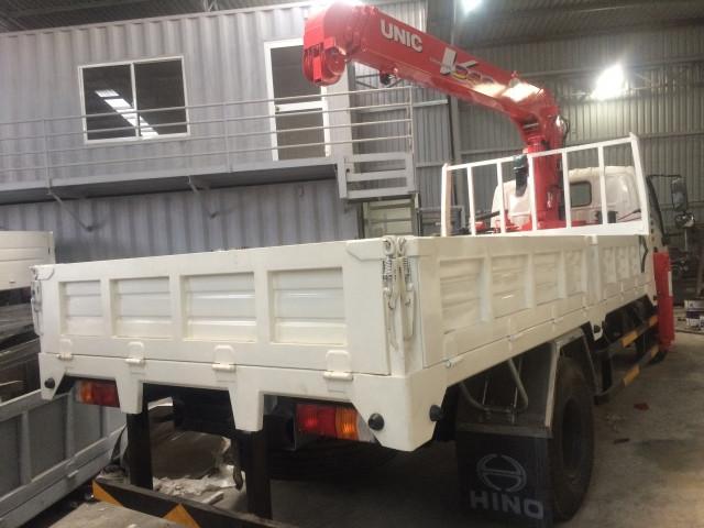 xe-tải-hino-xzu650l-gắn-cẩu-unic