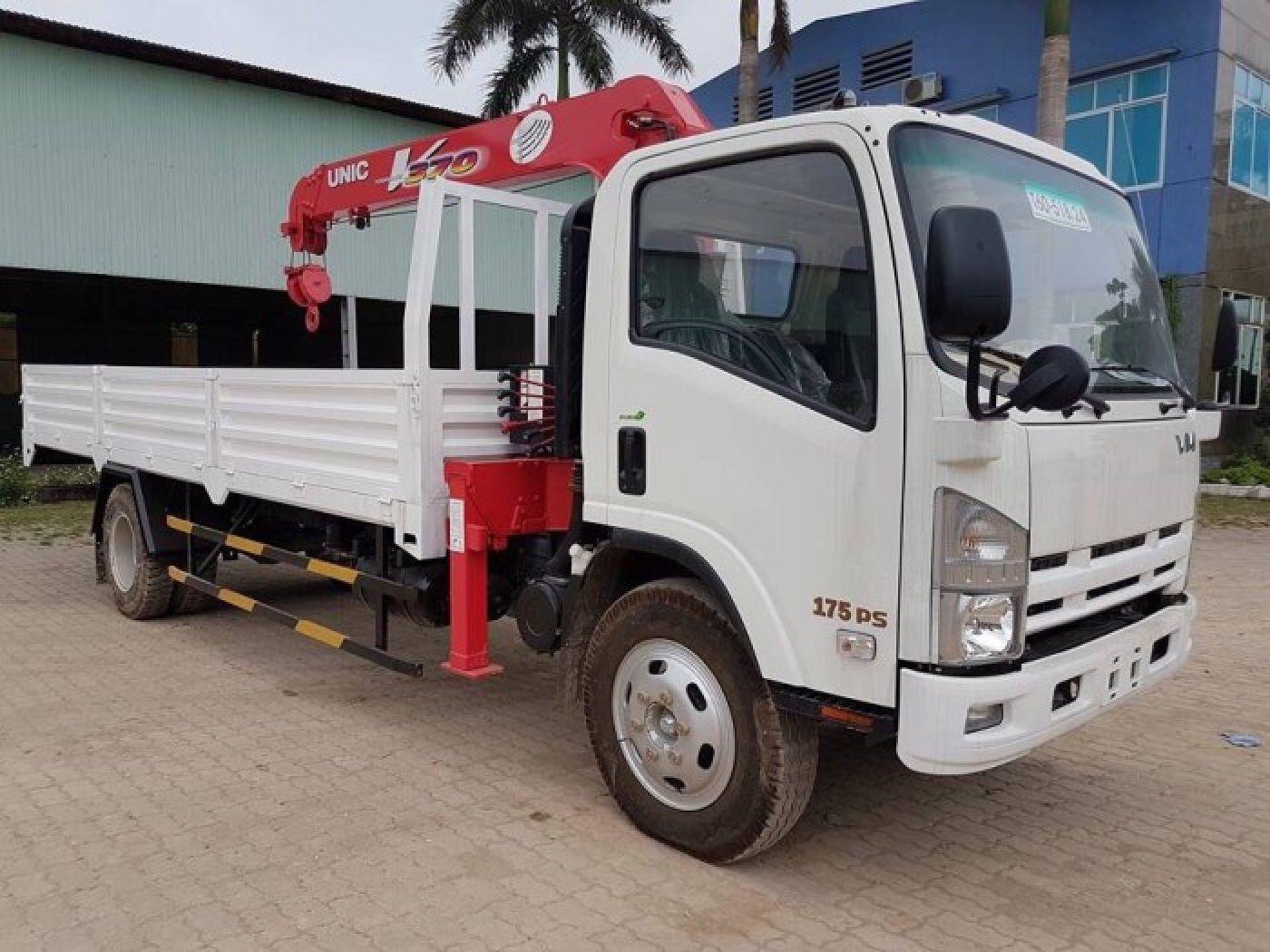 Xe tải cẩu Isuzu 4.7 tấn