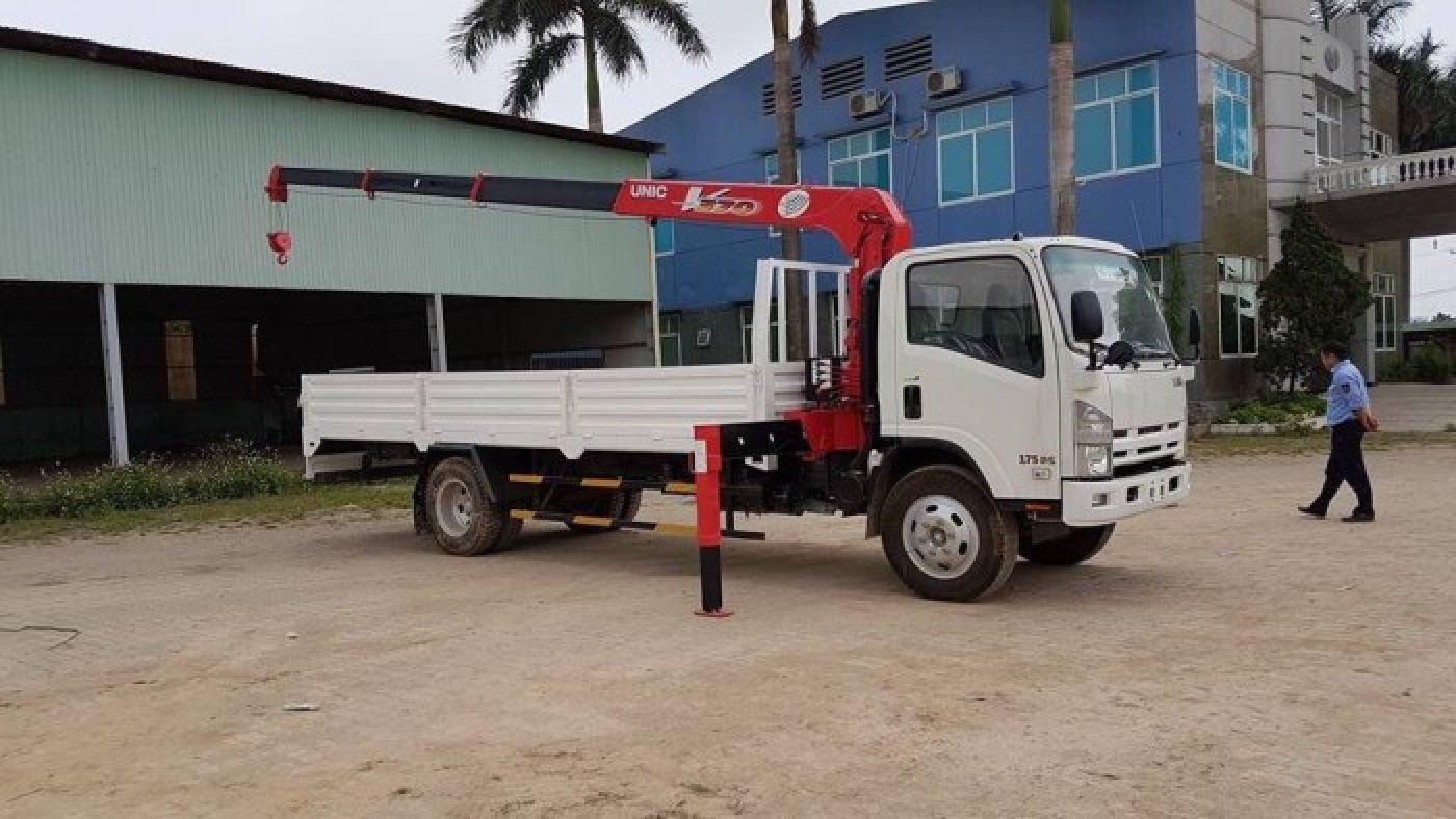 Xe tải cẩu Isuzu 6.4 tấn